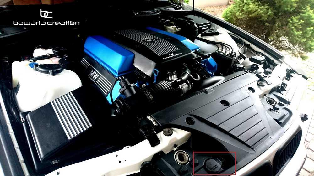 BMW E36 TOURING komora spryski.jpg
